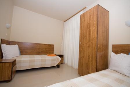 2B-2nd-bedroom