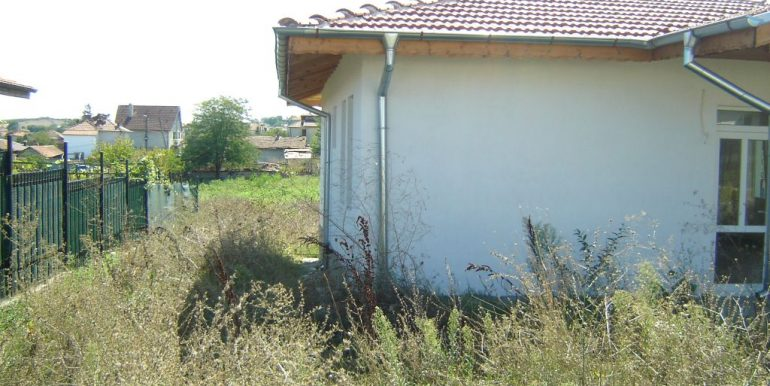 Family house in Bulgaria-Marinka village 4 km. from sea