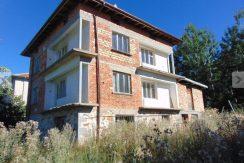 Three-story spacious house in Bulgaria-Ezerovo, Smolyan.